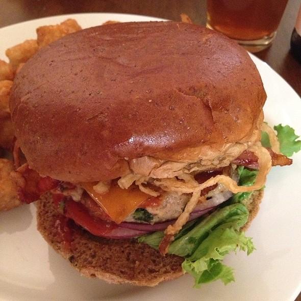 Maker's Mark Burger - Hudson Grille - Sandy Springs, Sandy Springs, GA