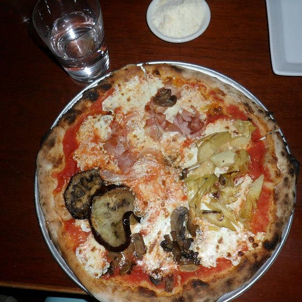 Pizza - Naples 45 Ristorante E Pizzeria, New York, NY