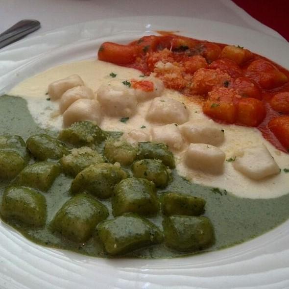 Tricolori Gnocchi - Arnoldi's Cafe, Santa Barbara, CA