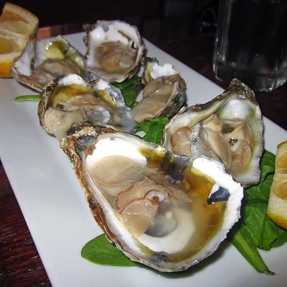 Oysters - Cacio e Vino, New York, NY