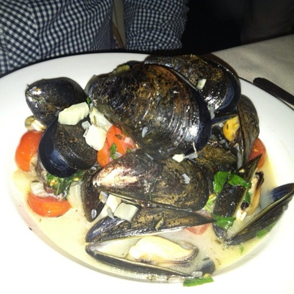 Mussels in White Wine Sauce - La Mangeoire, New York, NY