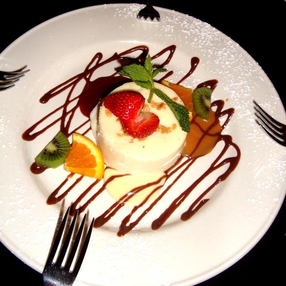 Cheesecake - Cosi Cucina Italian Grill, Clive, IA