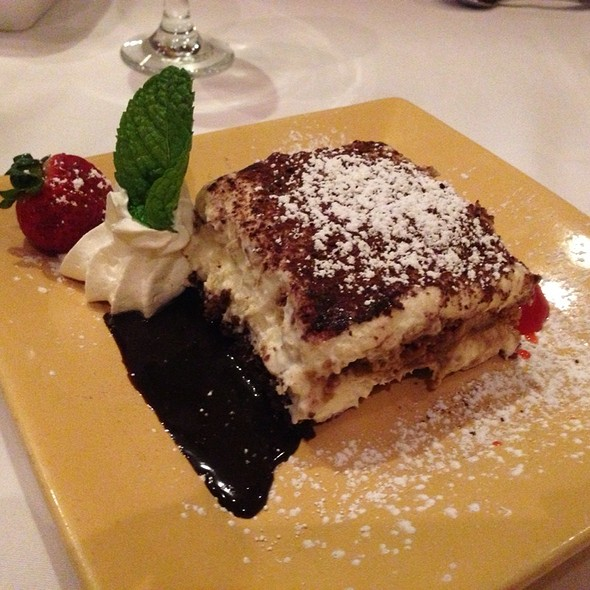 Tiramisu - Piccola Trattoria, Canyon Country, CA