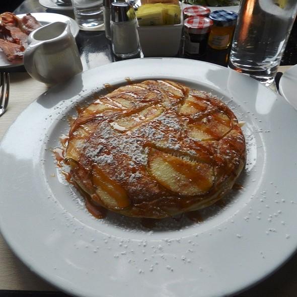 apple pancakes - Roxy Bar, New York, NY