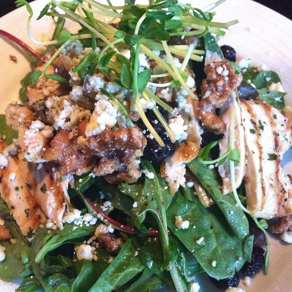 Bleu Cheese And Walnut Salad With Grilled Chicken - Metro North, Princeton, NJ