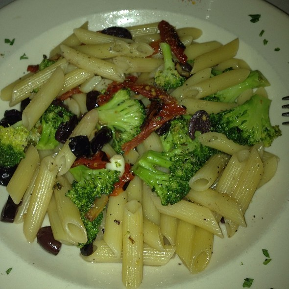 Penne Con Broccoli - Grotta Azzurra, New York, NY