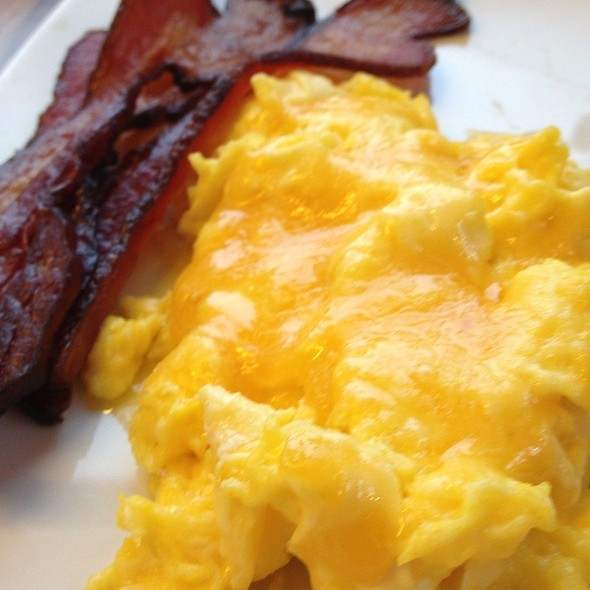 Bacon & Cheese Eggs - Founding Farmers - Montgomery County, Potomac, MD
