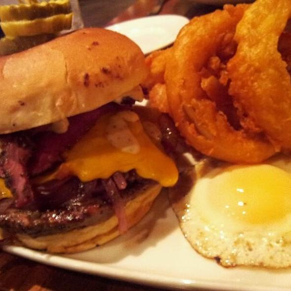 Moer Burger - Moerlein Lager House, Cincinnati, OH