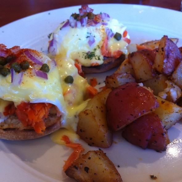 Smoked Salmon Eggs Benedict - The Hardware Store, Vashon, WA