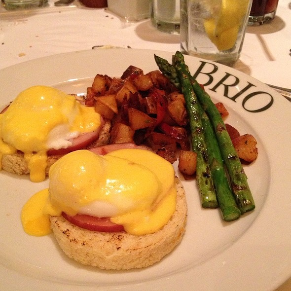 Eggs Benedict - BRIO Tuscan Grille - Lombard - The Shops on Butterfield, Lombard, IL
