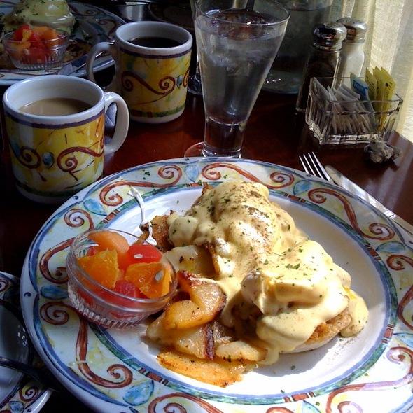 Eggs Benedict - Fins Bistro, Issaquah, WA