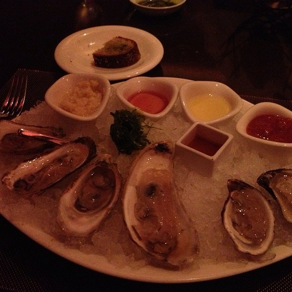 Oysters - TENDER steak & seafood - Luxor, Las Vegas, NV