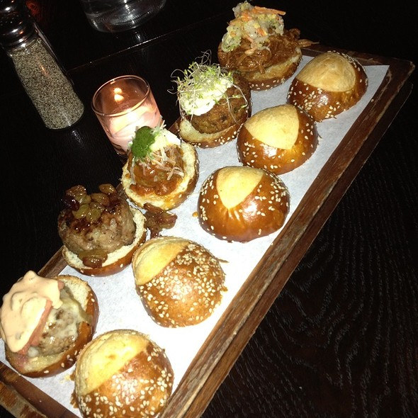 Sliders Sampler - Ainsworth Fi Di, New York, NY