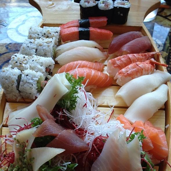 Sushi Boat For 2 - Teak Thai, Cincinnati, OH