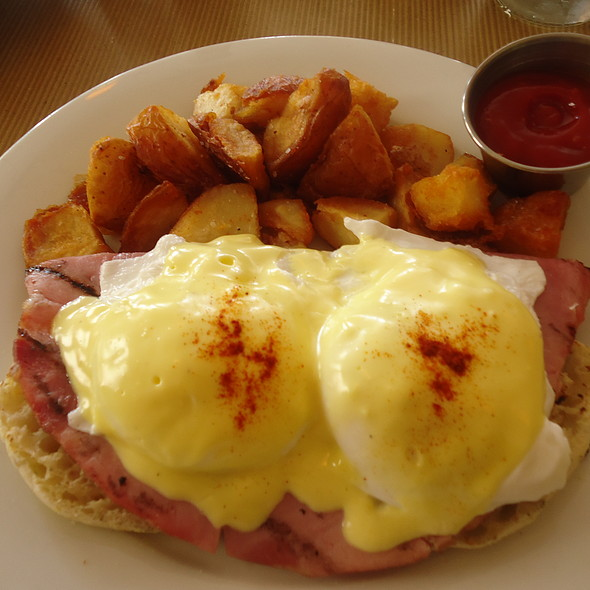 Eggs Benedict - Feast - Bucktown, Chicago, IL