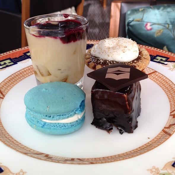 Afternoon Tea Sweets - Xi Shi Lounge, Shangri-La Hotel Vancouver, Vancouver, BC