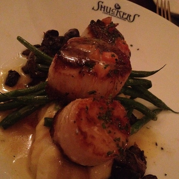 Scallops - Shuckers, Seattle, WA