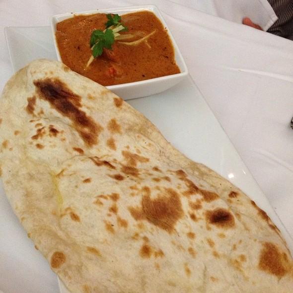 Chicken Tikka Masala With Butter Naan - Cholanad Restaurant and Bar, Chapel Hill, NC