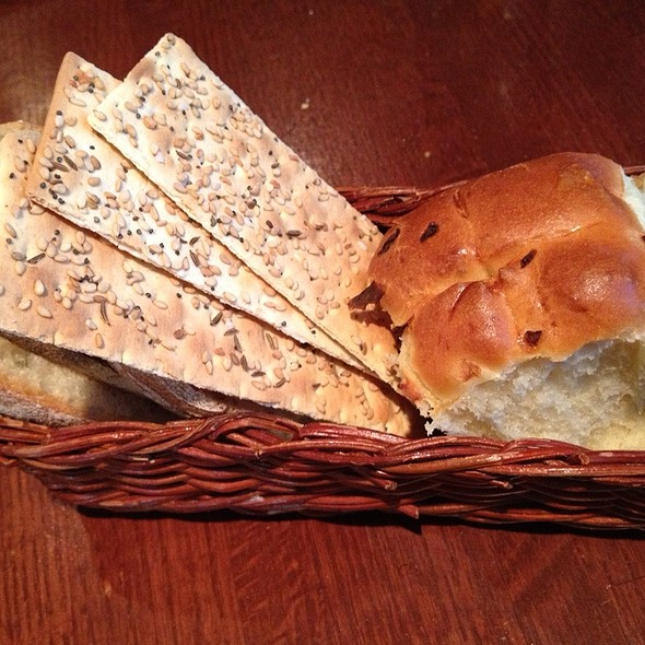 Bread & Lavosh Basket - Tin Fish, Tinley Park, IL