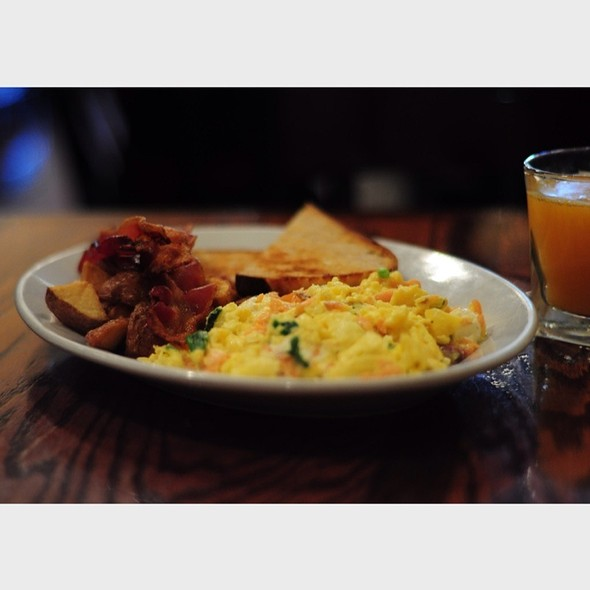 Breakfast - Room 39 - Midtown, Kansas City, MO