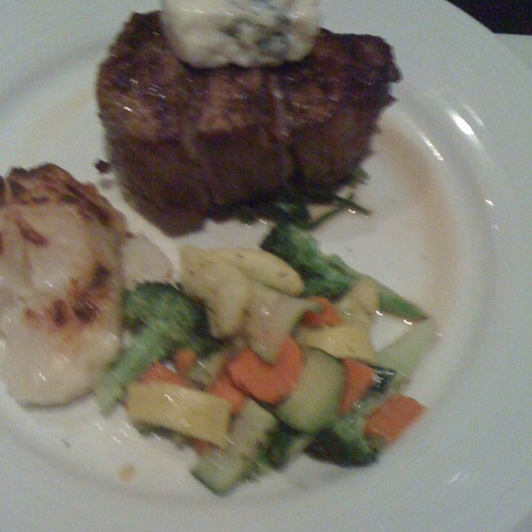 Filet Mignon w/ Bleu Cheese & Scalloped Potatoes - Spaggi's, Upland, CA