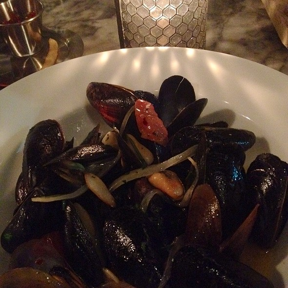 Steamed Mussels - Artisan House, Los Angeles, CA
