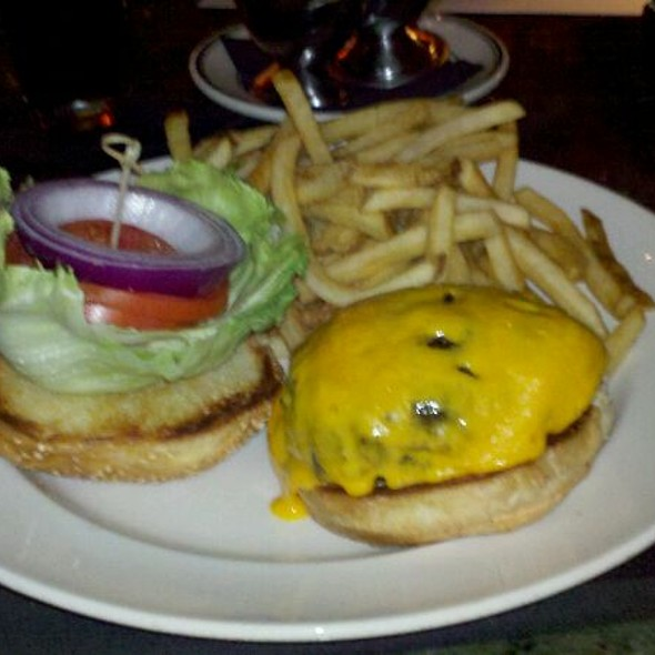 Prime Burger With Vermont Cheddar - III Forks Palm Beach Gardens, Palm Beach Gardens, FL