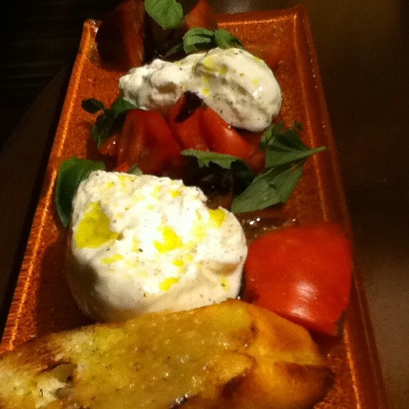 Heirloom Tomato, Arugula & Burrata Salad - The Valley Kitchen, Carmel, CA