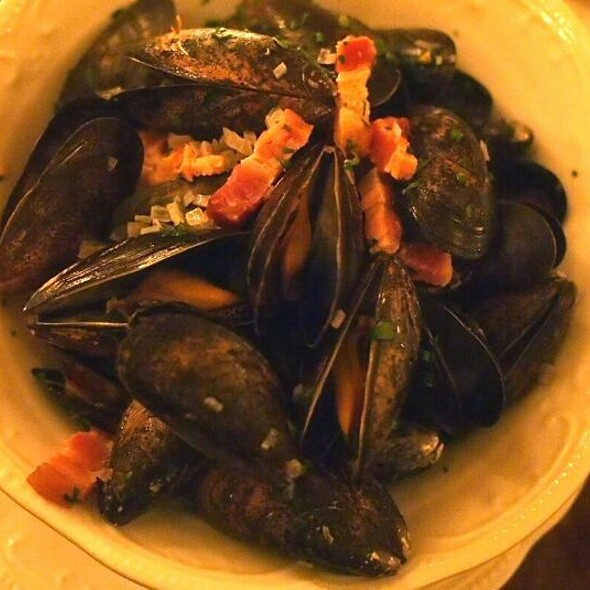 Mussels - Taverne Square Dominion, Montréal, QC