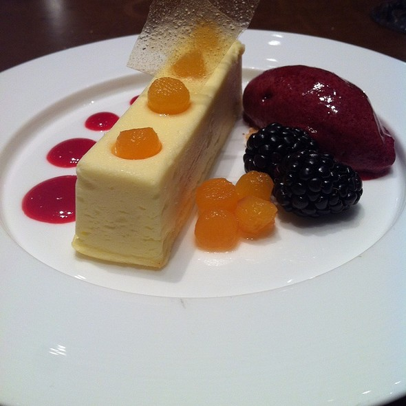 Creme Fraiche Cheesecake - SOUTHGATE Bar & Restaurant, New York, NY