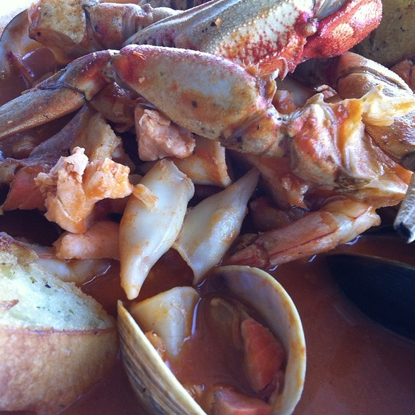 Cioppino Crab Calamari Salmon White Fish And Clams - Domenico's on the Wharf, Monterey, CA