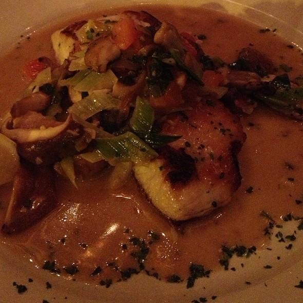 Kamuela Tomato Crusted Mahimahi - Francesca's Bryn Mawr, Chicago, IL