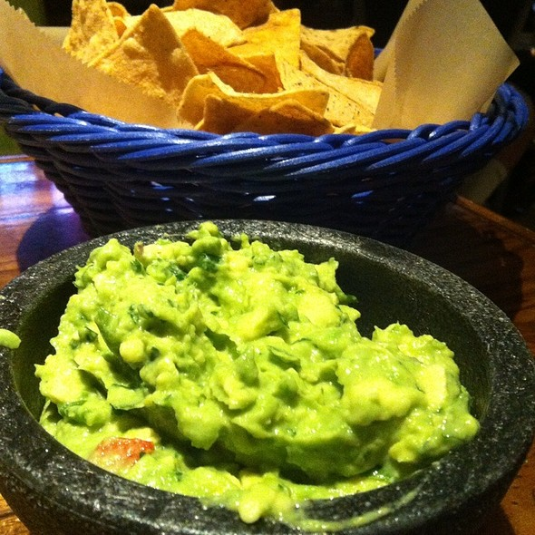 Tableside Guacamole - Green Lemon, Tampa, FL