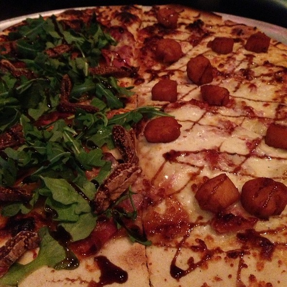 Half Scallops & Bacon Half Fig & Prosciutto Pizza - Tavolino - Foxborough, Foxboro, MA