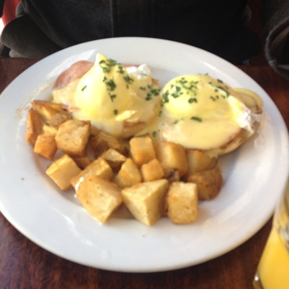 Eggs Benedict - Nob Hill Grille, San Francisco, CA