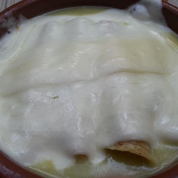 Enchiladas Suizas - Cafe O - Lomas, México, CDMX