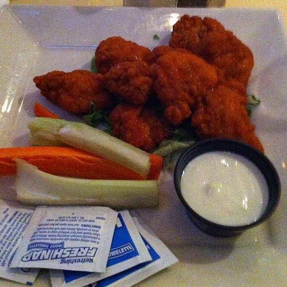 The Best Buffalo Wings - The Perfect Pint - West, New York, NY