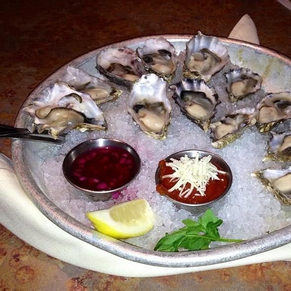 Oysters - Matts' Rotisserie & Oyster Lounge, Redmond, WA