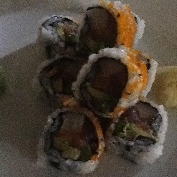 Rainbow Sushi Roll - Oishi Thai, North Miami, FL