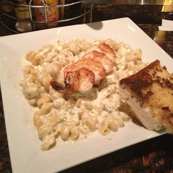 Macaroni & Blue Cheese - Old Burdicks Bar and Grill, Kalamazoo, MI