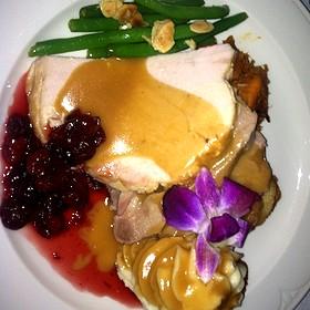 Thanksgiving Feast - The English Inn, Eaton Rapids, MI