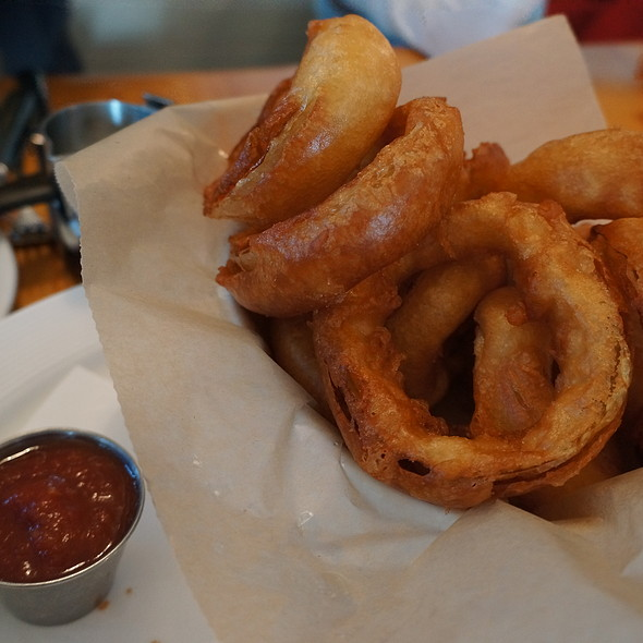 Fried Onion Rings - Alice's Restaurant, Lake Hopatcong, NJ