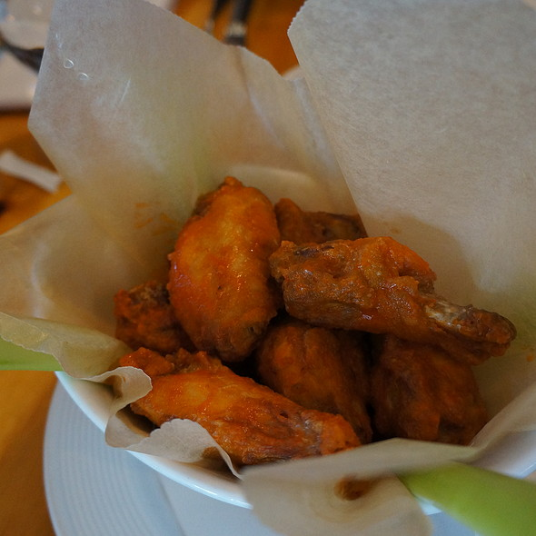 Buffalo Wings - Alice's Restaurant, Lake Hopatcong, NJ