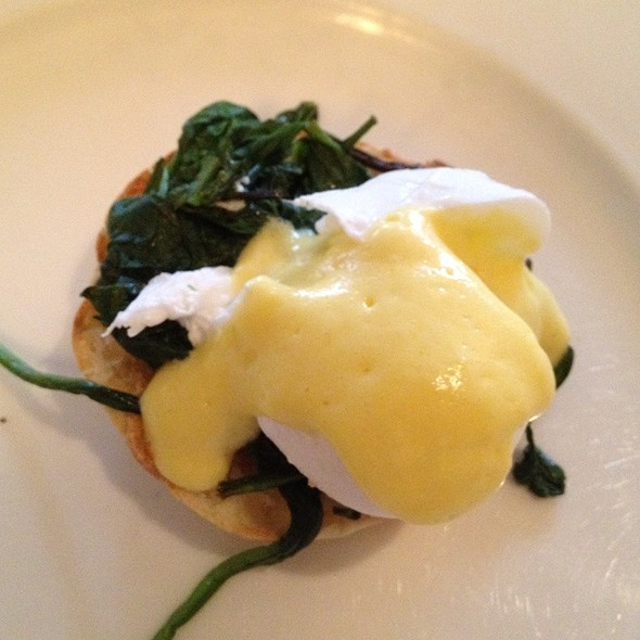Eggs Florentine - Inn on the Twenty, Jordan, ON