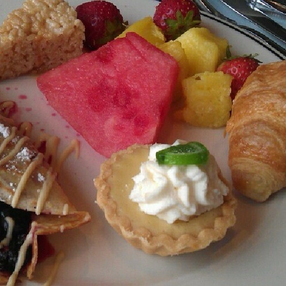 Dessert Plate - Salty's on Alki Beach, Seattle, WA