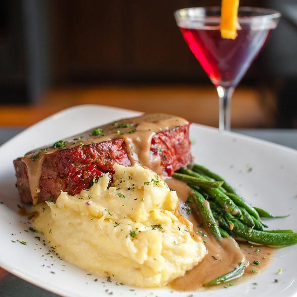 Meatloaf - Cafeteria 15L, Sacramento, CA
