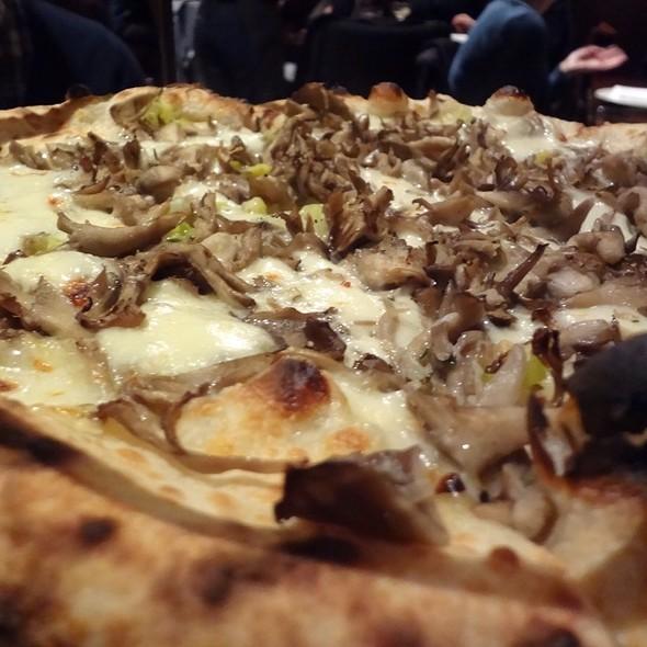 Fillmore Pizza - Zero Zero, San Francisco, CA