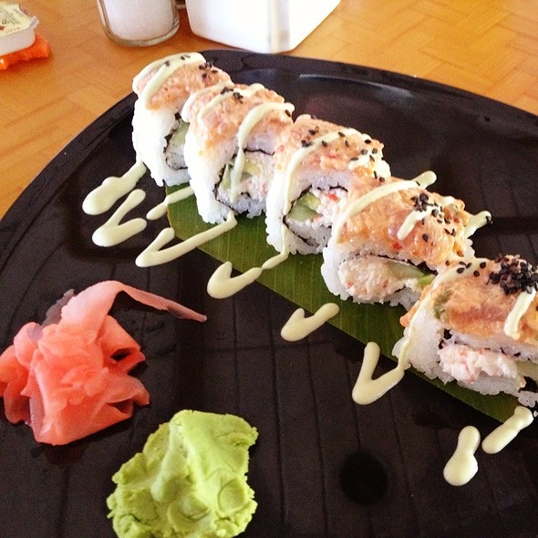 Spicy Ahi Sushi roll - Shore Bird Restaurant & Beach Bar, Honolulu, HI