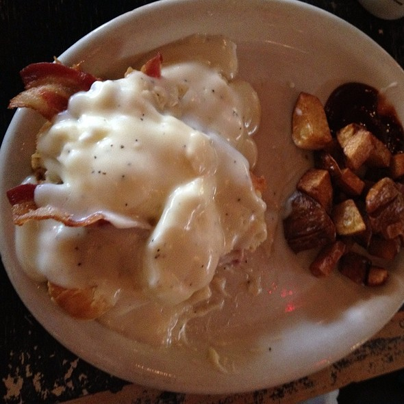Bubba's Eggs Benedict - Puckett's Historic Downtown Franklin, Franklin, TN