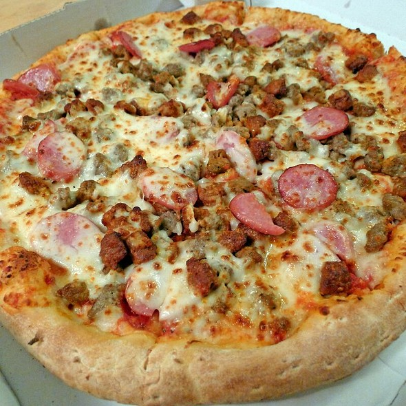 John's Favorite Taste papa john's founder john schnatter's favorite pizza, loaded with pepperoni, sausage and a six cheese blend of mozzarella, parmesan, romano, asiago, provolone and fontina. sprinkled with our special blend of Italian herb 2kins4.cfry: Restaurants, Pizza.